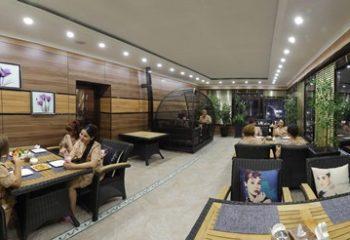 Кафе на веранде с гостями, Женский банный VIP-клуб при SPA-комплексе С легким паром!